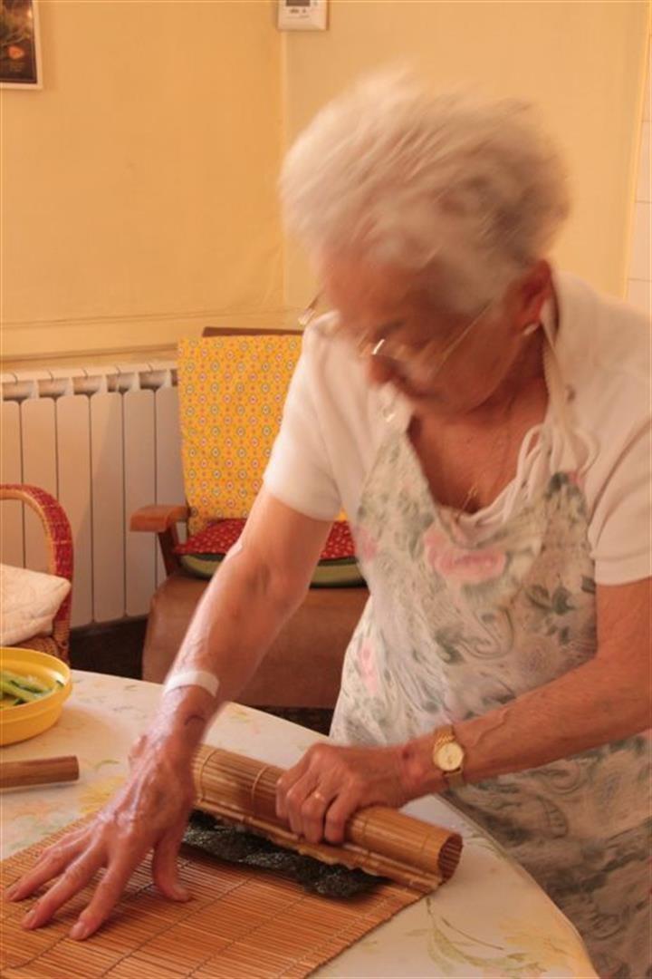 184 Suzon ++í la cuisine 28 juin (Large).jpg